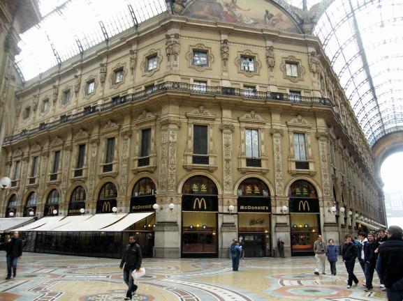 Galleria_Vittorio_Emanuele_II_(Milan)_McDonald's