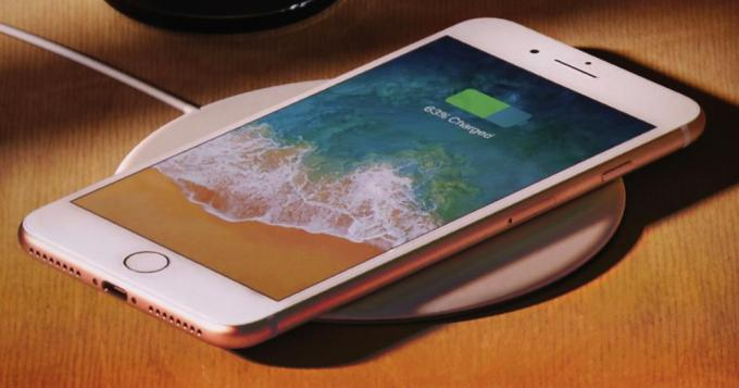 resized_38016-2017-09-12t183236z_457425111_hp1ed9c1fibcn_rtrmadp_3_apple-iphone
