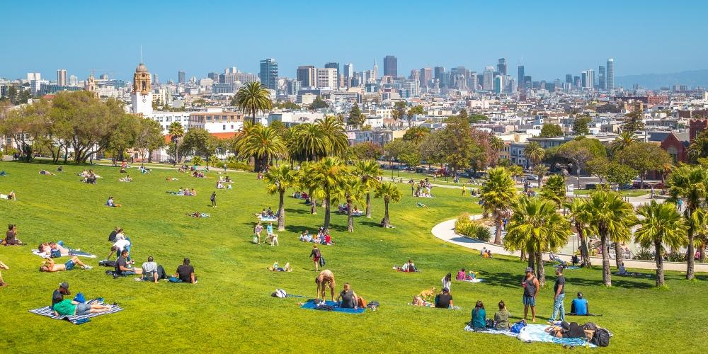 Mission-District-San-Francisco-Dolores-Park-shutterstock_1120990424-cr-canadastock.jpg